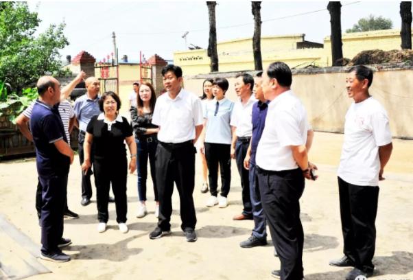 刘旋调研脱贫攻坚和农村人居环境整治工作