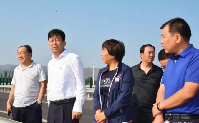 刘旋实地督查高速沿线环境综合整治工作