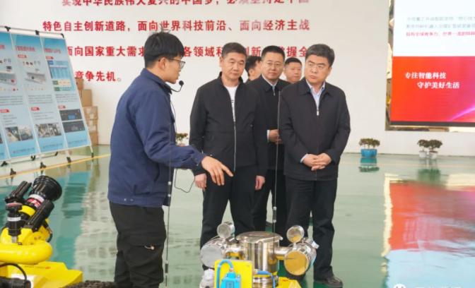胡坚调研县乡换届和基层党组织建设工作